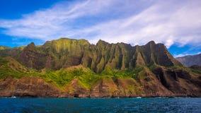 Landschapsmening van de spectaculaire kustlijn van Na Pali, Kauai royalty-vrije stock afbeelding