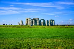 Landschapsmening van Stonehenge in Salisbury, Wiltshire, Engeland, het UK royalty-vrije stock afbeeldingen