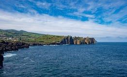 Landschapsmening vanuit het gezichtspunt van de olifantsboomstam, de Azoren, Portugal Stock Foto's