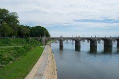 Landscpae берега Рекы Susquehanna в Harrisburg, Пенсильвании Стоковая Фотография RF