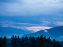 Landscpe montañoso nublado Foto de archivo libre de regalías
