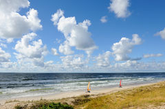 Landsegling på en strand Royaltyfria Foton