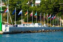 Landsflaggor i Kroatien Royaltyfri Foto