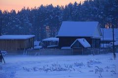 Landshus in i skog Royaltyfria Foton