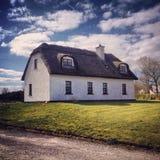 Landshus - Irland Arkivfoton
