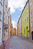 Landshut, Alemania, estrecha la calle cobbled Imágenes de archivo libres de regalías