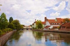 Landshut Tyskland - romantisk sikt av promenaden längs den Isar rien Royaltyfria Foton