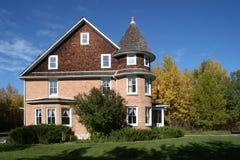 Landsitz-Haus - Seitenansicht Stockfoto