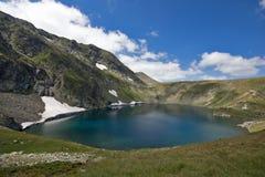 Landskap av öga sjön, de sju Rila sjöarna, Bulgarien Arkivbild