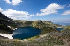 Landskap av öga sjön, de sju Rila sjöarna, Bulgarien Royaltyfri Bild