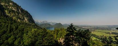 Landskap av Alpsee, sikt från den Marienbrucken Tyskland Arkivbild