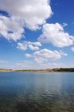 Landskap av Alqueva sjön, Portugal Royaltyfri Bild