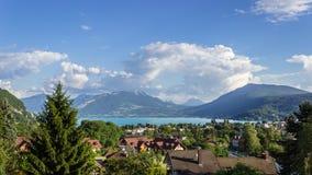Landskap av Annecy från över arkivbild