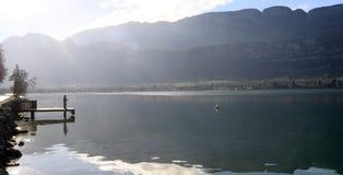 Landskap av Annecy sjön i Frankrike Royaltyfria Bilder