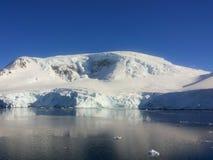 Landskap av Antarktis Royaltyfria Bilder