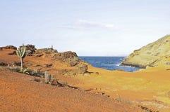landskap av att bedöva den Faro ön, Mochima nationalpark, Venezuela, Sydamerika royaltyfri fotografi