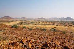 Landskap av berg och grässlättar, Palmwag Royaltyfri Foto