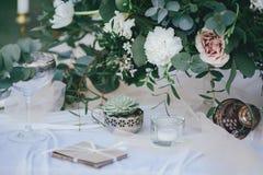 Landskap av brölloptabellen Royaltyfria Bilder
