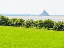 Landskap av Brittany och Mont Saint-Michel, Frankrike Fotografering för Bildbyråer