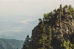 Landskap av Carpathians i Rumänien, sommarloppEuropa concep royaltyfri bild