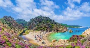 Landskap av Costa Paradiso med Spiaggia di Li Cossi, Sardinia Royaltyfri Fotografi