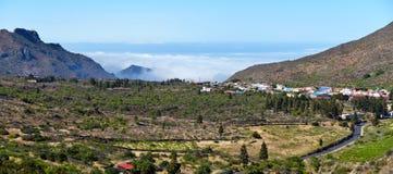 Landskap av dalen via den Puerto Santiago i västra Tenerife Isla royaltyfri fotografi