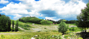 Landskap av de Altai bergen Arkivbilder