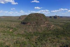 Landskap av den brasilianska cerradoen royaltyfria bilder