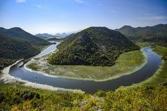 Landskap av den Crnojevica floden i Montenegro fotografering för bildbyråer