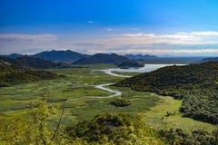 Landskap av den Crnojevica floden i Montenegro arkivfoton