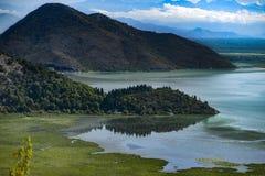 Landskap av den Crnojevica floden i Montenegro royaltyfria bilder