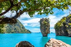 Landskap av den James Bond ?Phang Nga fj?rden, Thailand royaltyfri foto