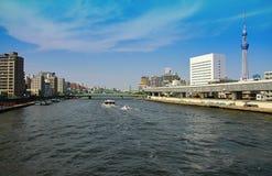 Landskap av den japanska Sumida floden Royaltyfri Fotografi