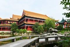 Landskap av den kinesiska forntida trädgården Royaltyfria Bilder