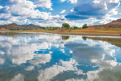 landskap av den mountian sjön Royaltyfri Fotografi