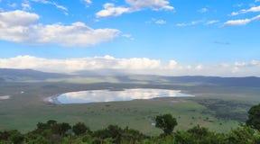 Landskap av den NgoroNgoro krater Tanzania Afrika arkivbild