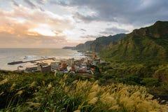 Landskap av den nordliga kusten i taiwan Royaltyfria Bilder