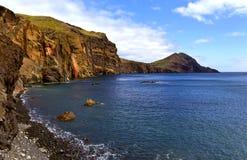 Landskap av den peble stranden Royaltyfria Foton