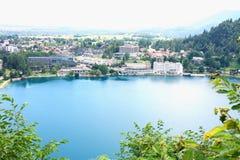 Landskap av den slovenska bladsjön Arkivfoton