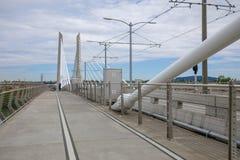 Landskap av den Tilikum korsningen, bro i Portland royaltyfri fotografi