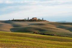 Landskap av den Tuscany bygd- och Rolling Hills panoramautsikten, Italien royaltyfri foto