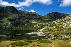 Landskap av den tvilling- sjön, de sju Rila sjöarna, Bulgarien Arkivbilder