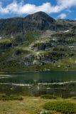 Landskap av den tvilling- sjön, de sju Rila sjöarna, Bulgarien Royaltyfria Foton
