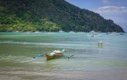 Landskap av det tropiska havet i Palawan, Filippinerna Royaltyfri Foto
