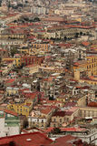 Landskap av färgrika hus i Napoli Arkivbilder