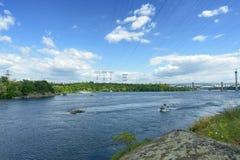 Landskap av floden Dnepr och fartyg Arkivfoto