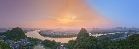 Landskap av Guilin, Li River och Karstberg Lokaliserat nära det Yangshuo länet, Guangxi landskap, Kina Royaltyfria Foton