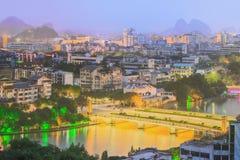 Landskap av Guilin, Li River och Karstberg Lokaliserat nära det Yangshuo länet, Guangxi landskap, Kina Fotografering för Bildbyråer