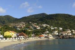 Landskap av Les Anses D Arlet, liten och nätt Anse i Martinique Arkivbilder