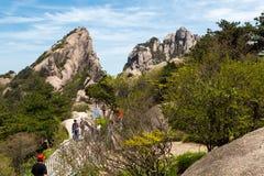 Landskap av Lotus Peak i de gula bergen i porslin Royaltyfri Fotografi
